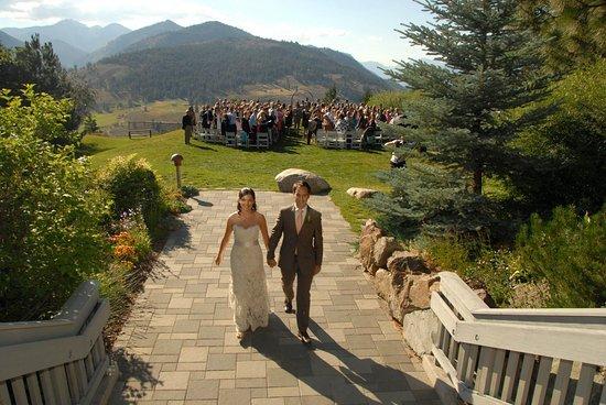 sun-mountain-lodge-wedding